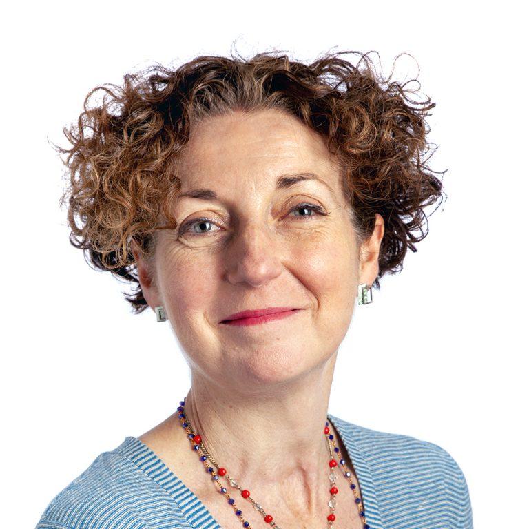 Dr Lisa Hinton